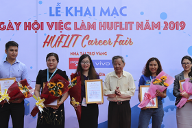 Vieclam24h.vn dong hanh cung Ngay hoi viec lam Huflit – Career Fair 2019