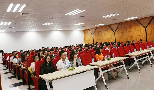 career-talk-tot-nghiep-khong-lo-nghiep-23